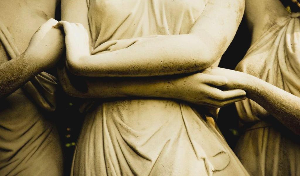 'Holding Hands,' by Valerie Evertt on Flickr