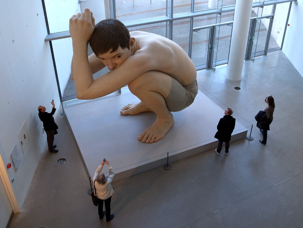 Image: photo of Ron Mueck's sculpture, 'Boy' (photo by Tamaki Sono on Flickr.com)
