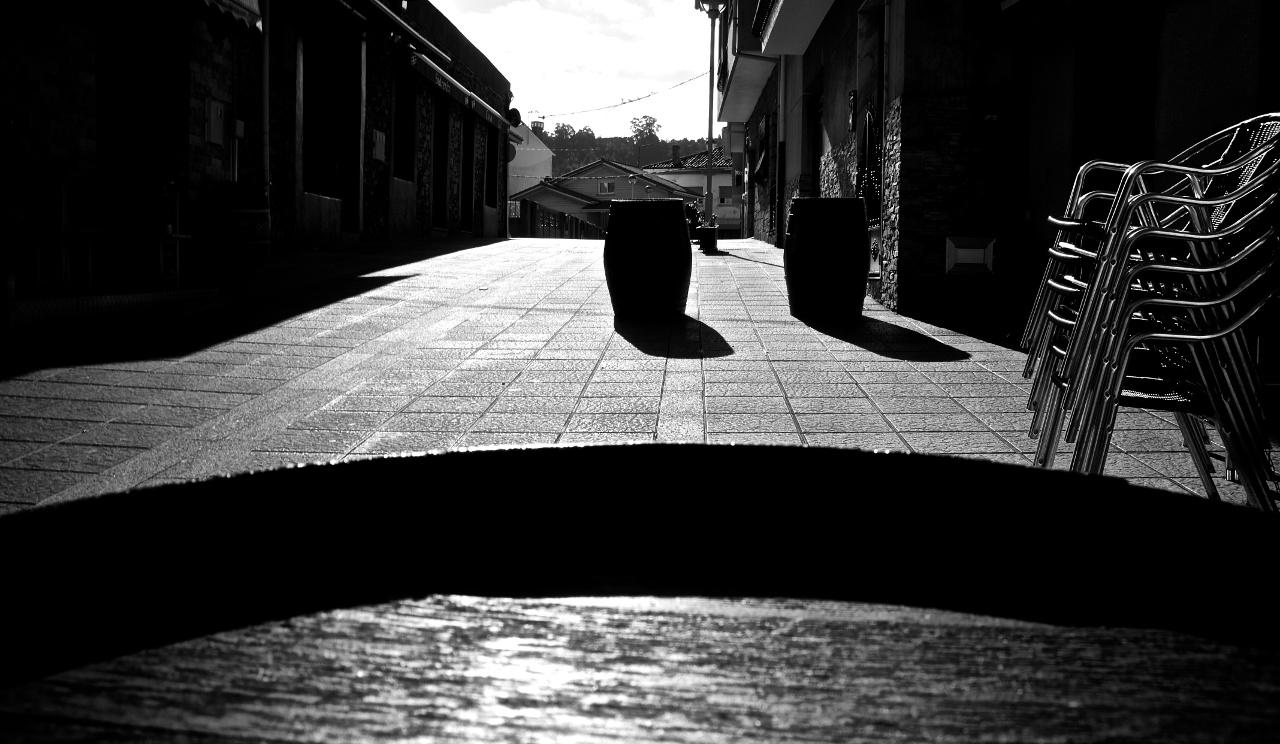 Image: 'Cuando las calles á solas (When the streets are alone,' by Oiluj Samall Zeid