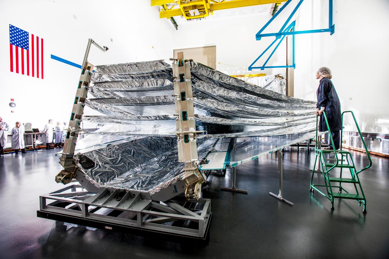 Webb telescope: unfolding test